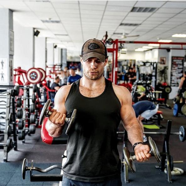henry cavill allenamento